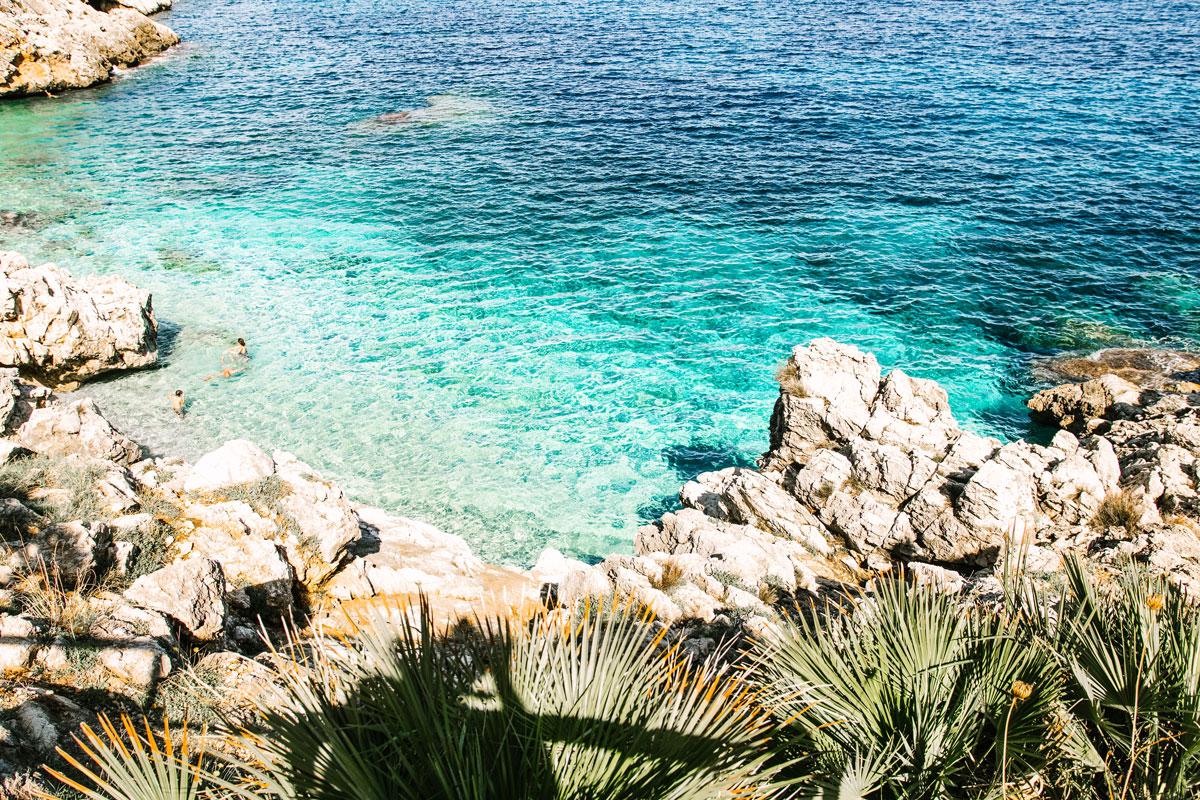 Kleine Bucht auf Sizilien